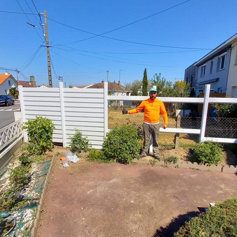 Pose d'une clôture Pendant